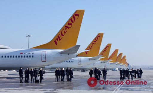 В Херсоне закрывается аэропорт: самолеты из Одессы в Стамбул станут летать чаще