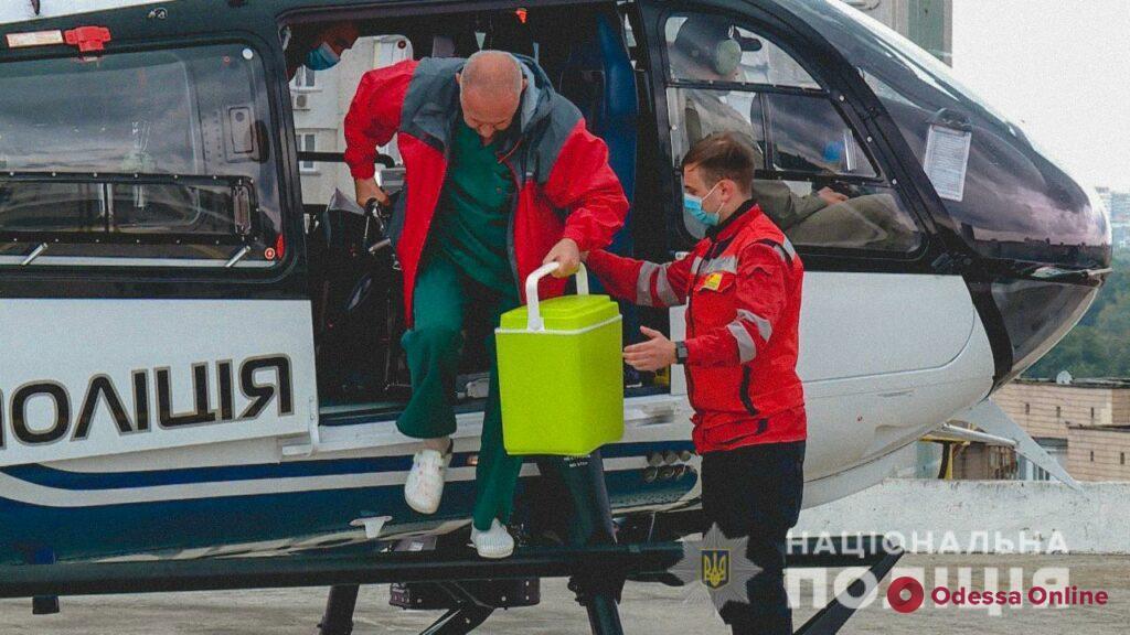 Винница-Киев: вертолет МВД за 50 минут доставил живое сердце донора 12-летней девочке (фото, видео)