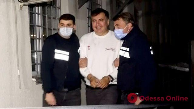 Зеленский заявил, что будет добиваться возвращения Саакашвили в Украину