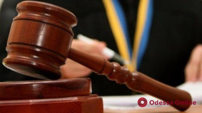 Суд приговорил мужчину к 150 часам общественных работ за психологическое насилие в отношении 69-летнего отца