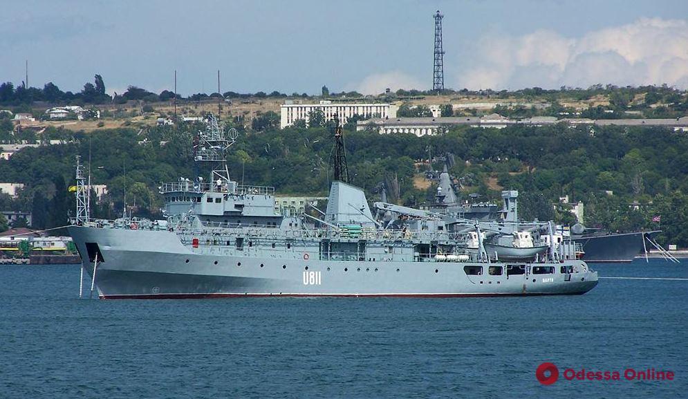 ЧП в Черном море: возле острова Змеиный произошла авария с кораблем ВМС Украины