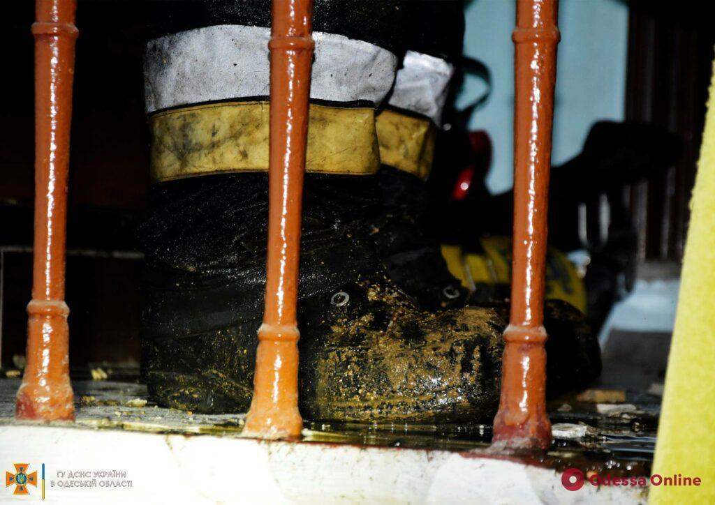 В центре Одессы горел чердак жилого дома