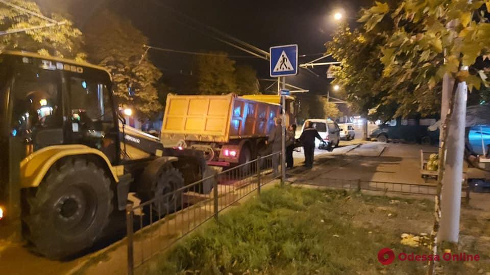 В Одессе в районе Таирова разогнали стихийный рынок