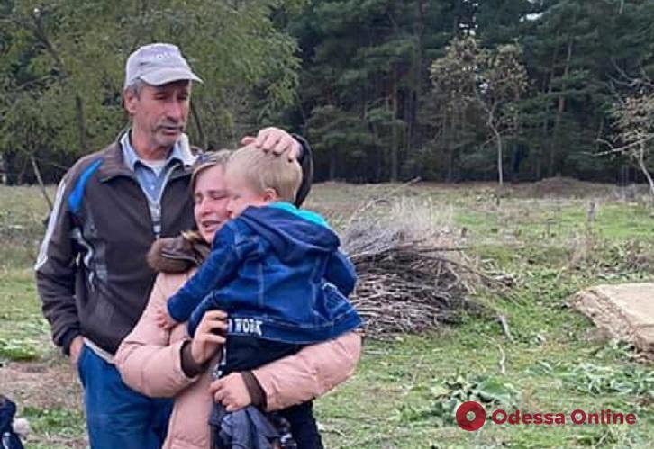 Поиски со счастливым концом: пропавшего в Саврани двухлетнего мальчика нашли за полчаса до наступления темноты