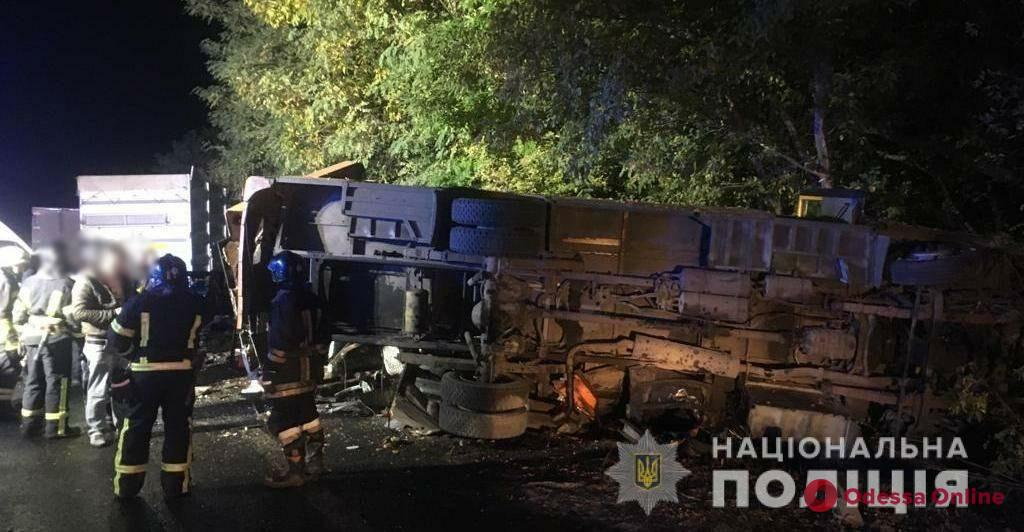 На трассе Одесса-Киев фура врезалась в маршрутку: два пассажира погибли