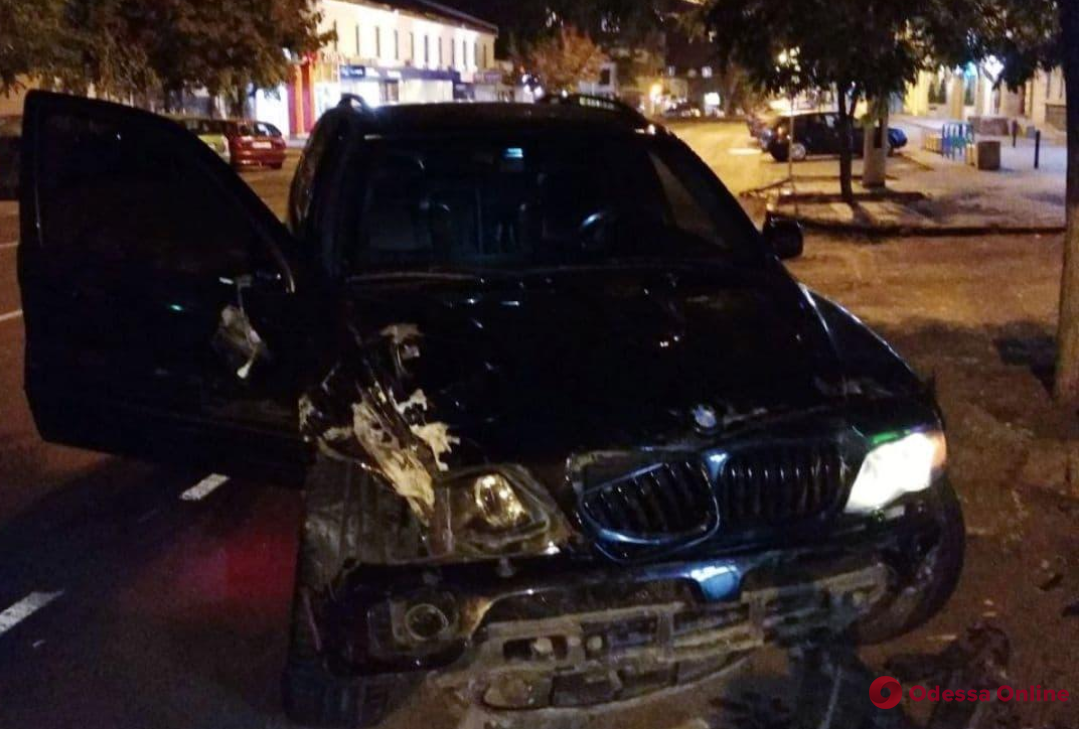 В сети появилось видео сокрушительного ДТП на перекресте Екатерининской и Малой Арнаутской