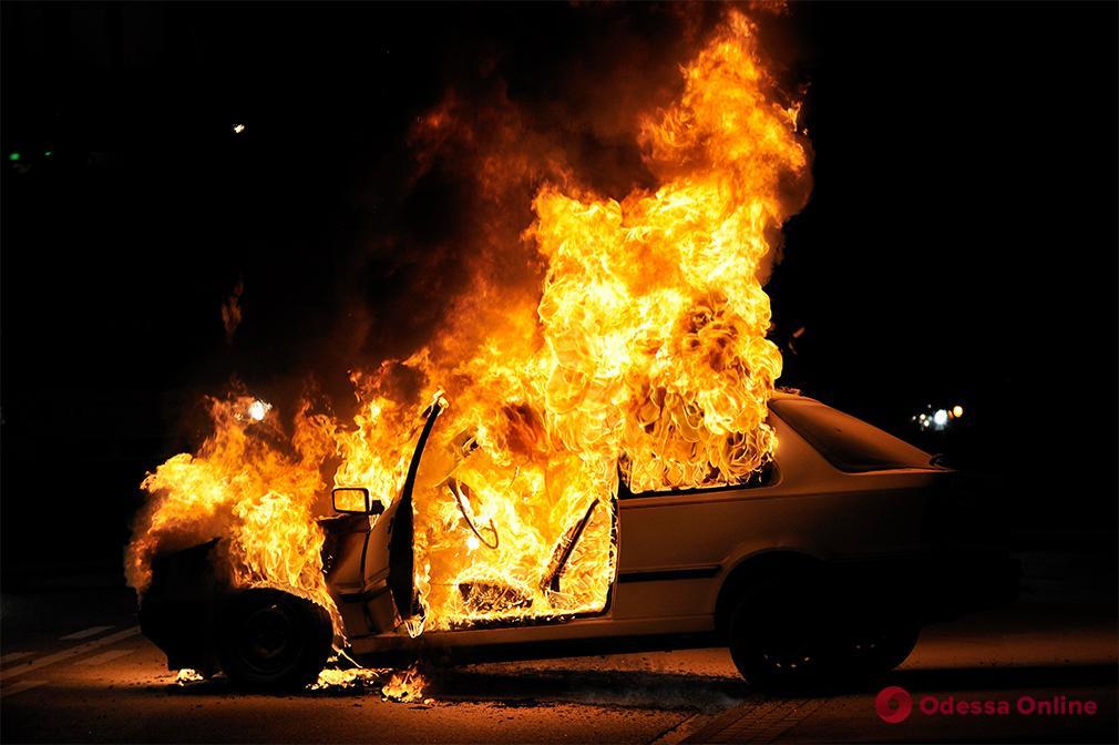 В Одесской области в машине сгорел мужчина
