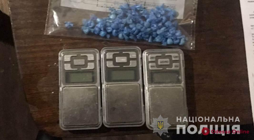 В Одессе поймали жительницу Николаевской области с 60 пакетиками метадона