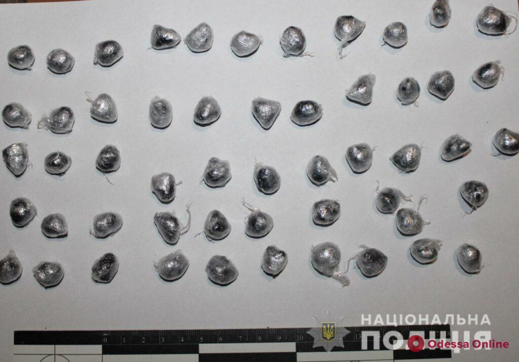 В одесском хостеле поймали двух дилеров с метадоном
