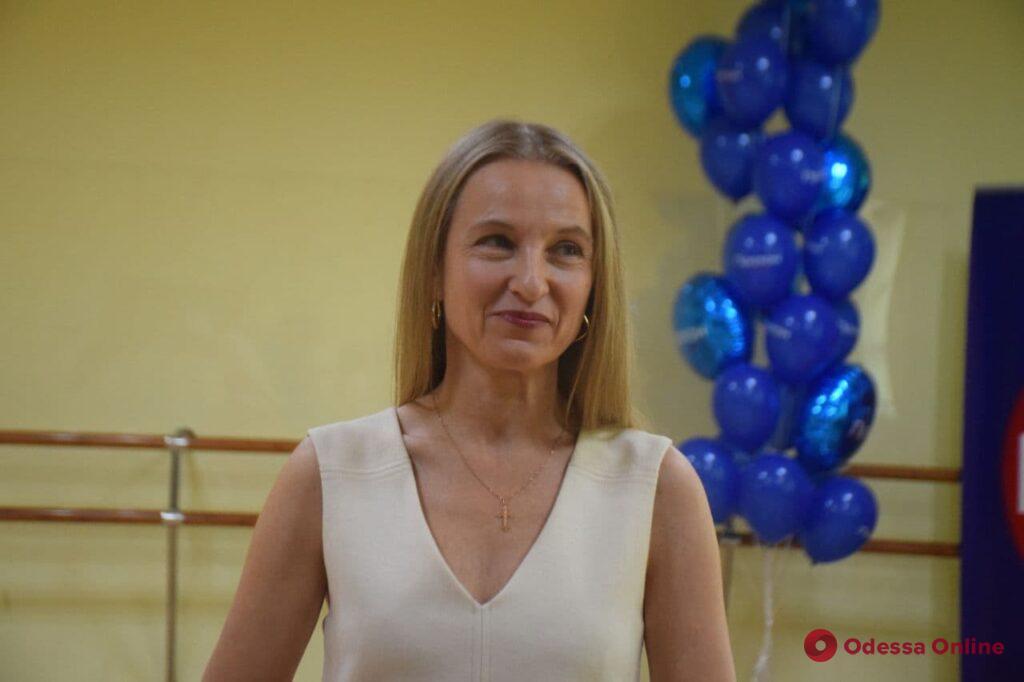 «Палочки в сторону и в пляс»: в Одессе открыли университет для людей преклонного возраста
